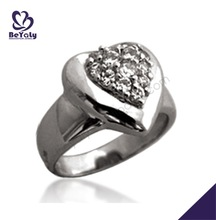 Extremely heart shape graceful female silver diamond ring