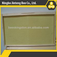 montado de alta calidad de la apicultura de pino de madera con marco de plástico para la fundación de la colmena