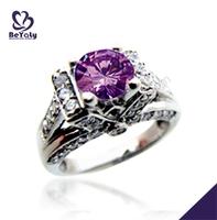 Delicate purple flower shiny silver wedding rings platinum