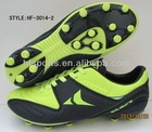 Soccer shoes with Rubber sole
