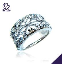 Hollow engraved flower pattern silver diamond ring insurance