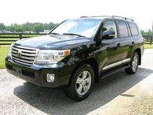 2013 Toyota Land Curiser Base $30000