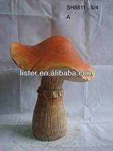 Small Garden Mushroom Supplies Resin Mushroom Arts for Garden Decoration
