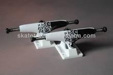 new creative sports goods/skate board trucks