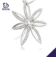 The tail leaf shape bezel setting charm bijou silver necklace