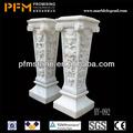 pulido de la superficie tallada a mano de decoración de interiores pilares de cemento