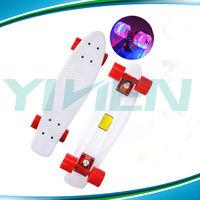 Cruiser skate with led wheel,Retro plastic board