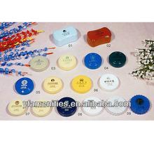 a lot of round disposable shoe shine sponges