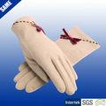 メリノウールの手袋手袋を編むファッショナブルな女の子のための