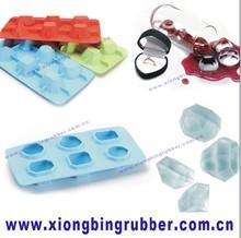 Diamond shape silicone ice cube tray