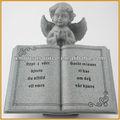Ángel de resina con libro