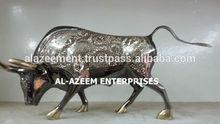 Best Quality Brass Made Bull Fighter Design Handicrafts Pakistan For Home & Office Decor / Brass handicrafts / Best Gift