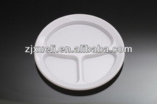 Disposable plastic divided plates
