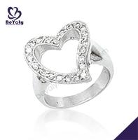 Luxurious heart-shaped cubic zirconia set buddha to buddha ring