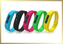 2014 fashion fashion bracelet watch set with sleep monitoring Pedometer Stopwatch fashion bracelet watch set