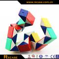 divertido novedad de plástico magia cubo de la serpiente
