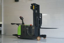 1.5 T electric reach stacker for sale