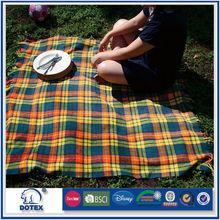 Walmart in cooperation 20 times washing picnic use stripe print blanket