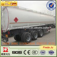 3 assi camion cisterna di carburante utilizzato