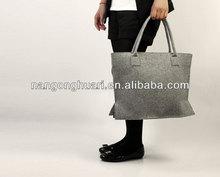 Fashionable Ladies Carry Wool Felt Shoulder Bag