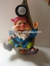 solar light gnome solar power figurine