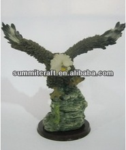 Hunting outdoor eagle statues 2014 custom animal figurine for sale