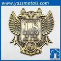 custom 3d insígnias e emblemas coroa de ouro projetado