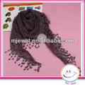 2014 nuevo estilo bufanda de inventario de china de fábrica bufanda triángulo con bordes de encaje