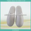 Descartáveis hotel personalizado bordado matéria-prima chinelos