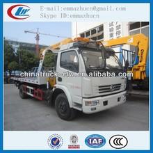 chino antiguo de la marca dongfeng camión remolque con grúa toneladas 4