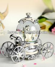 music box, princess carriage 100mm snow globe