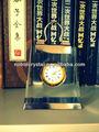 nobre novo vip relógio de cristal com punho logotipo gravado para o presente desk top
