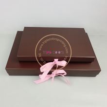 Grosgrain Ribbon foldable cardboard box with magnets