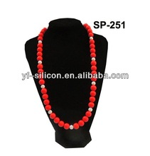 hot market mom style silicone necklace fashion design good quality