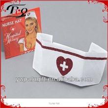 coração vermelho chapéu enfermeira
