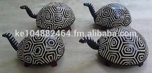 Head moving tortoise