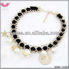 D14018 Unique combination of love pendantIris reticulate necklace