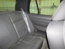 2005 Ford Crown Victoria arka emniyet kemeri ve retraktör sadece merkezi gri 2403960