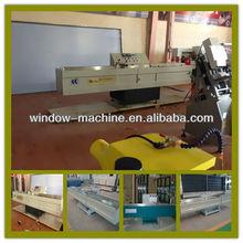 Butyl sealant glue spreading machine / Machine for double glass