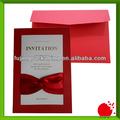 Tarjetas de invitación rojas y especiales de boda hechas a la medida
