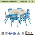 En plastique tables et chaises, Enfants bureau en plastique, Maternelle meubles