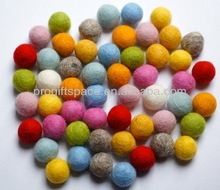 2015 hot new products eco friendly handmade Nepal wool felt balls wholesale bulk for decoration made in china