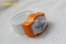 Shenzhen 2014 New Type Of The Mobile Phones Accessories Wearable Devices Smart Band Bluetooth Watch Speakers