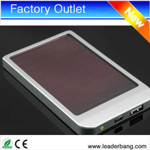 2014 wholesale portable solar charger,2600mah portable solar battery charger for mobile phone