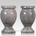vasi di marmo per il cimitero