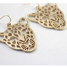 Fashion jewelry zinc alloy leopard gold plating hollow out charm earrings