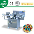 Con CE SM300 completamente automático bola huevo de Chocolate con juguete maquinaria