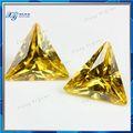 أصفر ذهبي 10x10mm المثلث تشيكوسلوفاكيا زركونيا مكعب الاصطناعية فضفاضة الماس السعر لكل قيراط