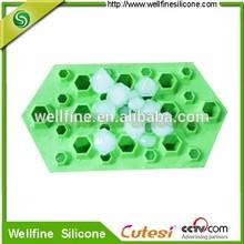 Food grade silicone ice cube tray with diamond shape