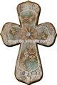 croce di legno vintage in vendita con fiore decorazione